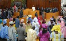 Assemblée nationale : Macky offre une indemnité de logement mensuelle de 150.000 FCFA à chaque député