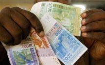 Envois de fonds : les immigrés « se dédoublent » pour envoyer plus