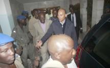 Manifestation et contre manifestation à l'audition de Karim Wade : Colobane sous haute tension