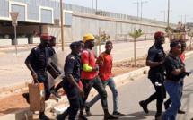 Dakar: plusieurs manifestants guinéens arrêtés ce jeudi devant l'ambassade (Vidéo)