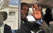 Après sa démission de l'Assemblée nationale, Ndéné s'envole pour Londres
