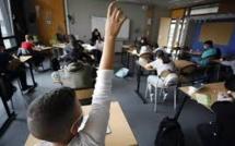 Covid-19, hommage à Samuel Paty: la rentrée scolaire suscite les critiques des enseignants