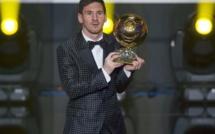 Lionel Messi assume son célèbre costume Dolce & Gabbana
