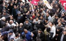 Crise politique en Tunisie: la population entre colère et recueillement