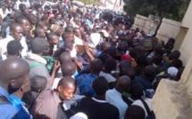 Reportage-Recrutement dans la fonction publique: les Sénégalais se bousculent devant le ministère