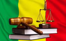 Mali: les personnes accusées d'atteinte à la sûreté de l'État placées en détention provisoire