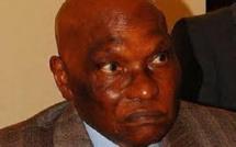 Abdoulaye Wade crée un cabinet d'affaires à Versailles et compte sur les recettes du Monument de la Renaissance pour approvisionner ses caisses