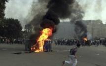 Egypte: deux policiers tués et des centaines de blessés à Port-Saïd