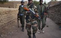 Soupçons d'exactions au Mali: Fabius menace de saisir la justice internationale