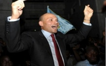 Election de son père en 2000 : Karim affirme avoir participé financièrement