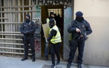 France: des peines de 22 à 30 ans de prison pour trois jihadistes jugés à Paris