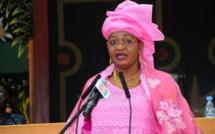 """Aïda Mbodj révèle le contenu du """"SMS Complot"""" envoyé """"par erreur"""" à un des avocats de Ousmane Sonko"""