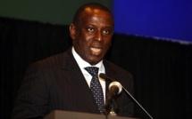"Cheikh Tidiane Gadio chante Wade ""le panafricaniste"""