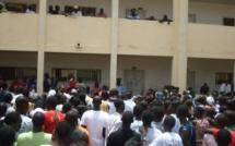 VIDEO-l'ambiance électrique des délibérations des résultats du BAC au Lycée Blaise Diagne de Dakar