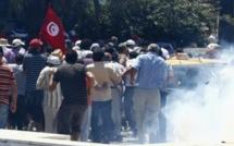 Les manifestants toujours mobilisés en Tunisie