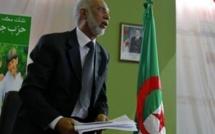 Algérie: guerre des clans à la tête du FLN pour l'élection d'un nouveau chef