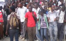Remaniement ministériel : les diplômés chômeurs approuvent et attendent leurs emplois.