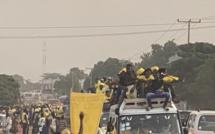 Présidentielle en Gambie : Retour triomphal de Darboe à Banjul, une marée jaune dans les rues
