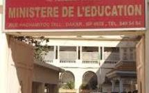 Les étudiants de la FASTEF et de l'INSEPS assiègent le ministère de l'Education nationale pour exiger leur affectation