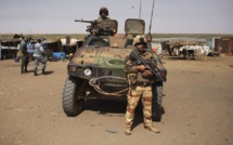 RCA: entrée des renforts militaires français à Bangui, entre miliciens et odeur de mort