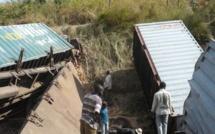 RDC: poursuite des opérations de secours après l'accident d'un train