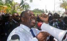 Gabon: la présidence défend sa politique sociale