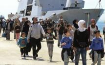 Vaste opération de sauvetage de migrants au large de l'Italie