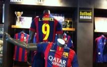 Barca : Des maillots floqués Suarez en vente