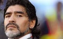 Video: Maradona giffle un journaliste