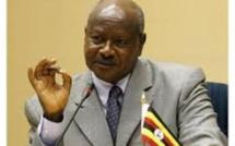 Ouganda: Museveni met en garde contre les «lobbies homosexuels»