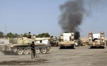 Libye: cent mille déplacés en trois semaines, selon le HCR