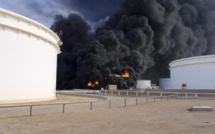 Libye: l'incendie du terminal pétrolier d'al-Sedra s'étend