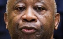 """Présidentielle ivoirienne: """"L'ombre de Gbagbo plane"""" sur le scrutin selon son parti"""