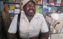 """Burkina: Les libraires invitent le gouvernement à """"revoir les textes du commerce"""" pour """"soutenir les petits commerçants"""" (président, INTERVIEW)"""